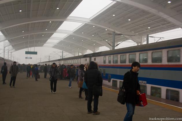 在中国的火车上. Двухэтажный поезд