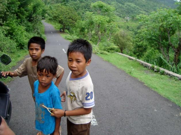 Голодные дети Бали. Амед