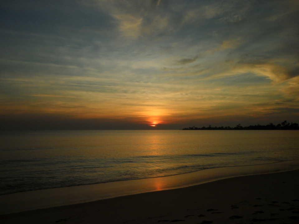 Закаты в Сиануквилле