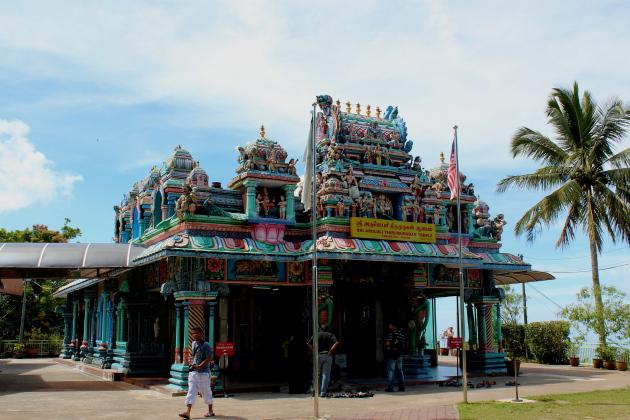 Индуистский храм на холме Пенанг