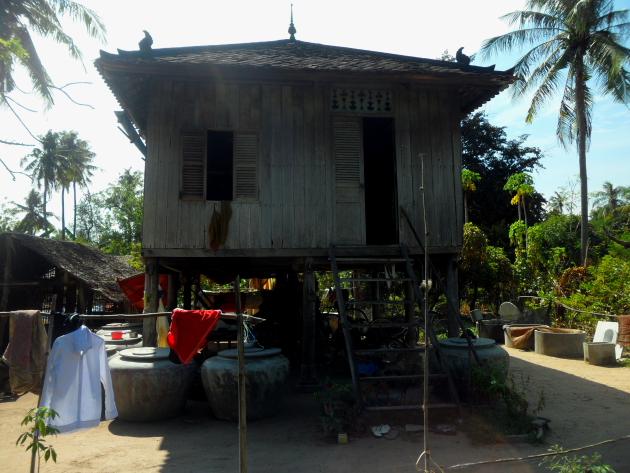 Деревня в Камбодже. Дом