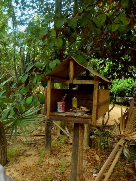 Деревня в Камбодже. Алтарь