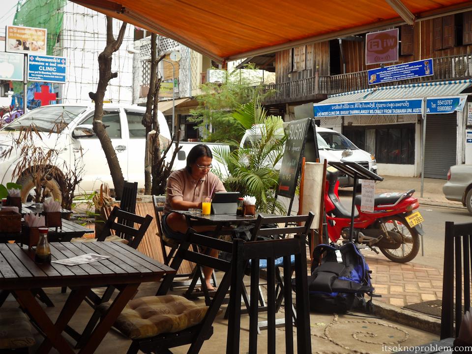 Кофе и вай фай во Вьентьяне