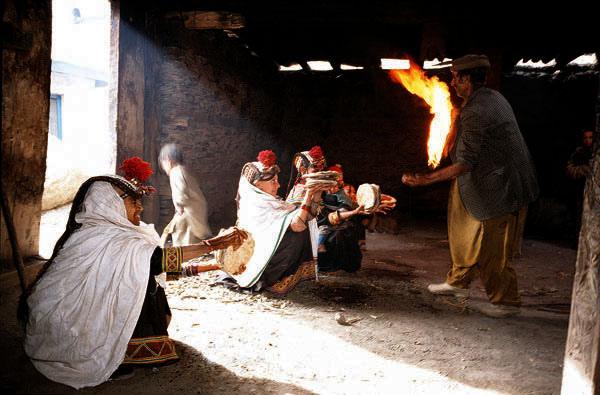 chaumos фестиваль в Пакистане
