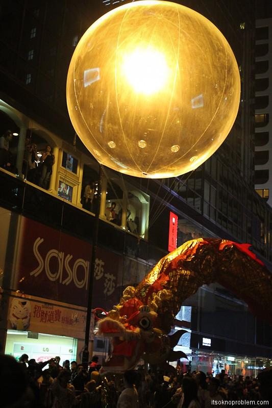 Парад на китайский новый год в Гонконге