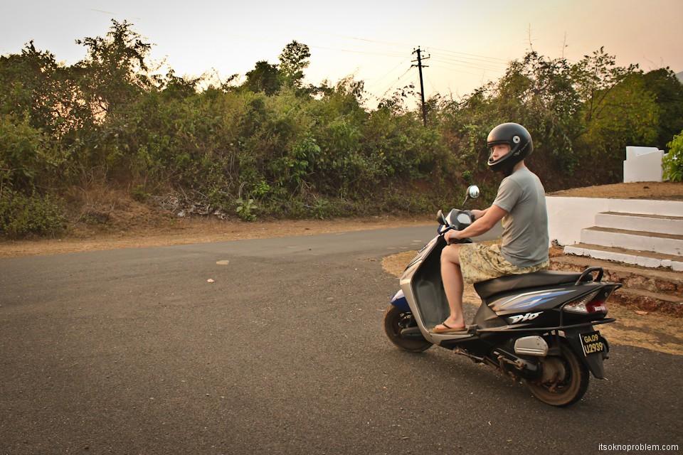 Идеи для путешествий: аренда скутера в Гоа