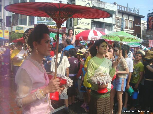 Сонгкран - тайский новый год