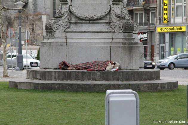 Зачем ехать в Бельгию? или Записки представителя пятой волны эмиграции - Один из сотен бездомных