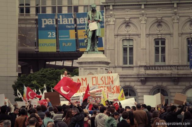 Митинг турок