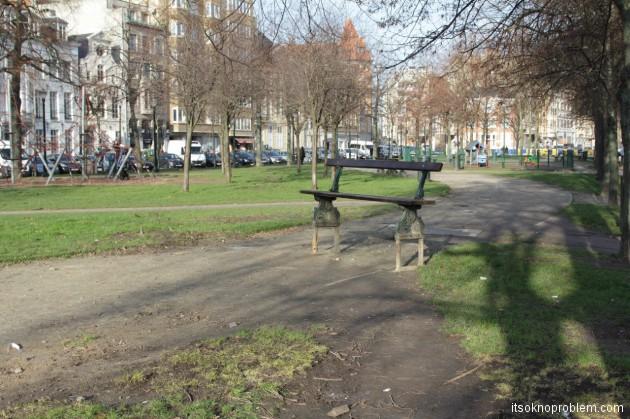 Просто скамейка. Фото. Зачем ехать в Бельгию?