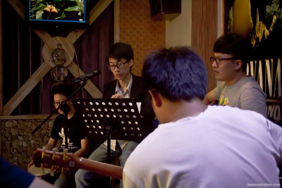 Хорошая китайская музыка. Маленькая песенка о любви (live видео)
