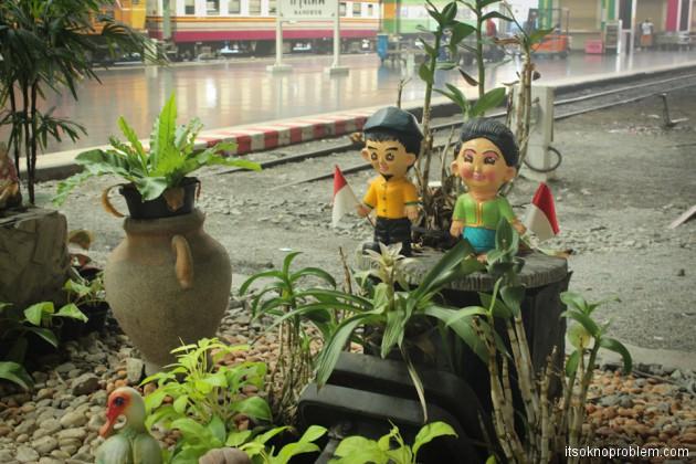 Вокзал Хуа Лампонг в Бангкоке - в Ча-Ам на поезде