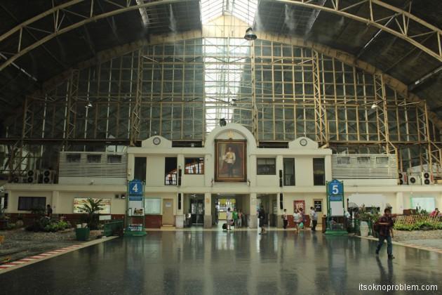 Дон Муанг - Вокзал Хуа Лампонг в Бангкоке - в Ча-Ам на поезде