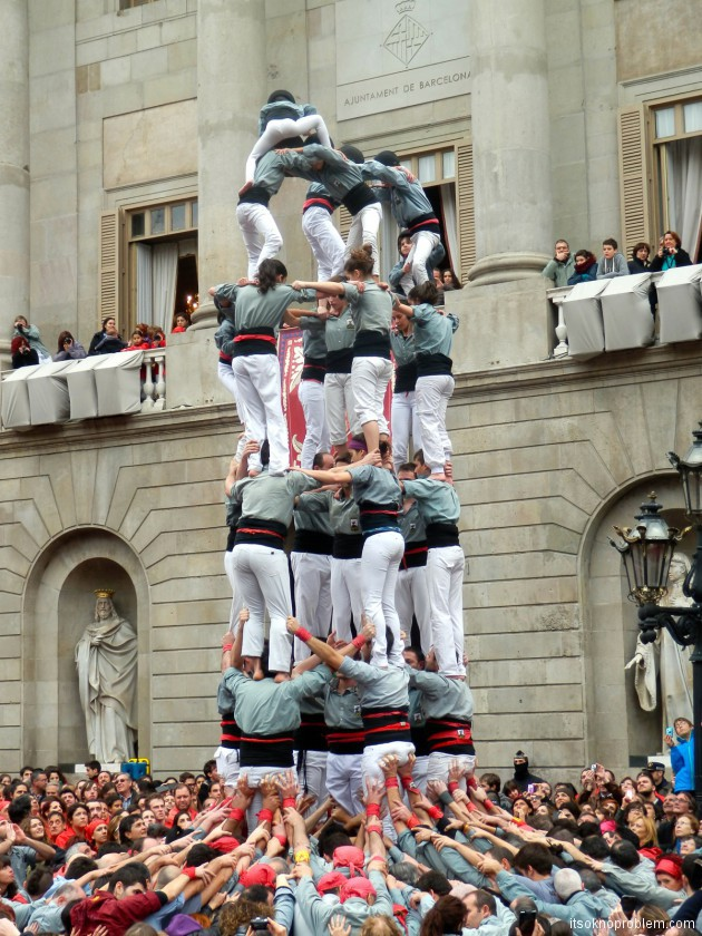 Фестиваль La Merce в Барселоне Испания
