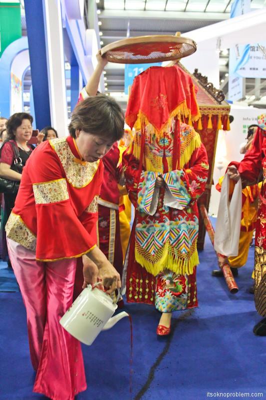 Свадьба в Китае. Свадебная фотосессиия. Церемония