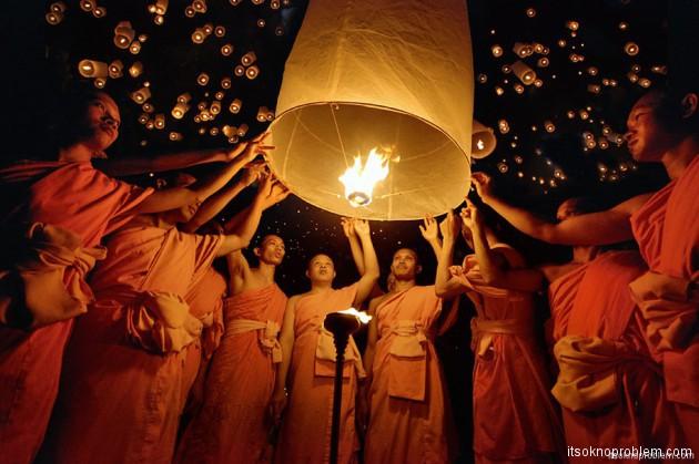 Фестиваль небесных фонариков в Pingxi Тайвань